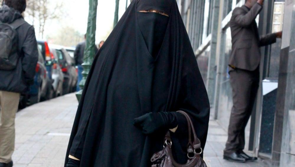 Lleida ratifica la prohibición del burka