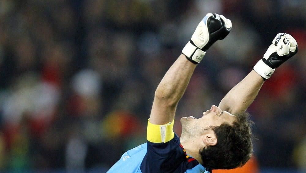 Casillas celebra el triunfo