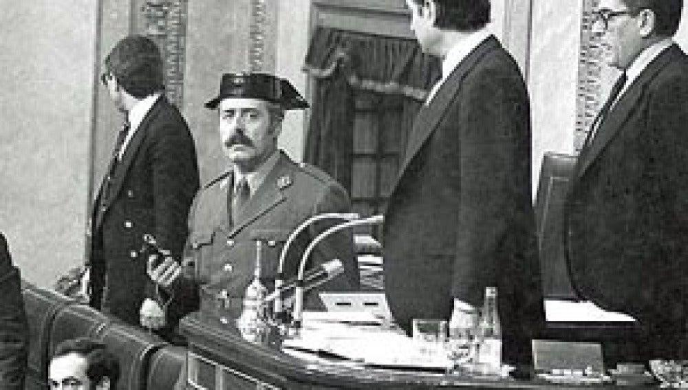 Fallece el director de la Guardia Civil que intentó detener a Tejero y el golpe del 23F