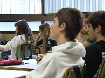 Alumnos de Bachillerato en clase