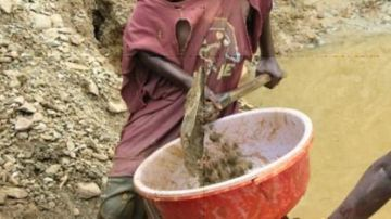 Extracción de Coltán, niño, África