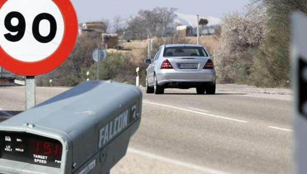 Límite de 90 km/h en carreteras convencionale