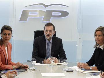Mariano Rajoy junto a María Dolores de Cospedal y Ana Mato