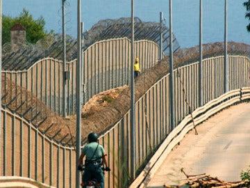 Imagen de la valla que separa Marruecos y Melilla.