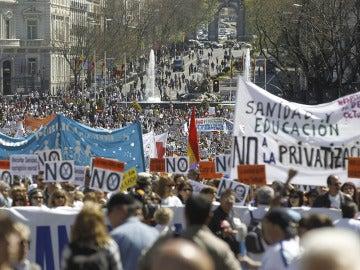 Miles de personas participan en una nueva 'Marea Blanca'