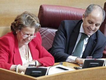 El expresidente valenciano Francisco Camps y a la alcaldesa de la ciudad, Rita Barberà.