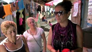 Lola, Ana Belén y Ana en la cárcel de Palmasola