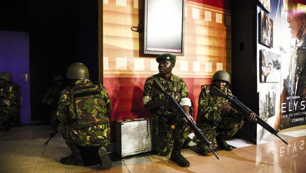 Fuerte explosión en el centro comercial de Nairobi