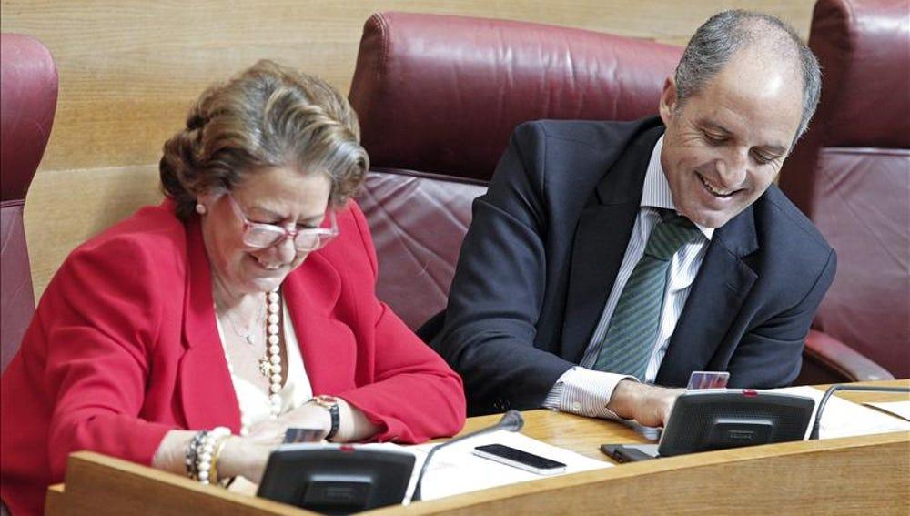 La alcaldesa de Valencia, Rita Barberá, y al expresident de la Generalitat Francisco Camps.