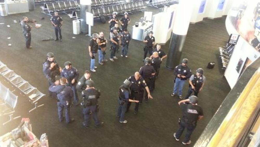 Múltiples heridos en un tiroteo en el aeropuerto de Los Ángeles