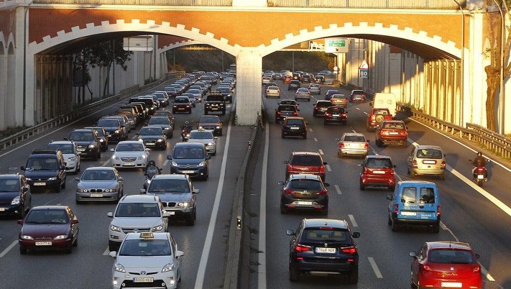 La DGT prevé cinco millones de desplazamientos en el puente de la Constitución