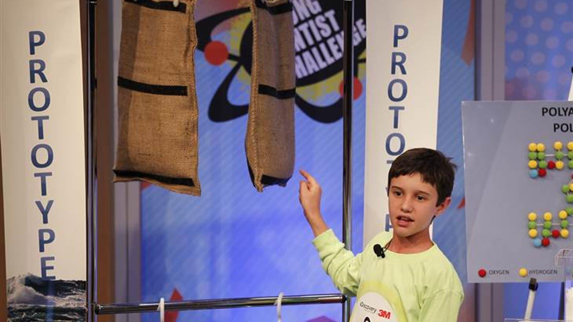 """Peyton Robertson, de 11 años, """"el niño del saco"""""""
