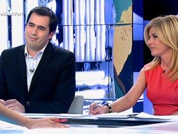 Los periodistas Esther Palomera y Carlos Cué