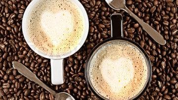 Imagen de dos tazas de café