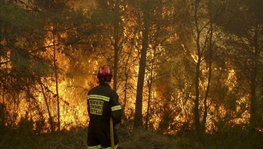 Incendio sin control en Castellón