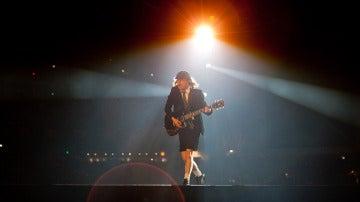 Angus Young en un concierto de la última gira