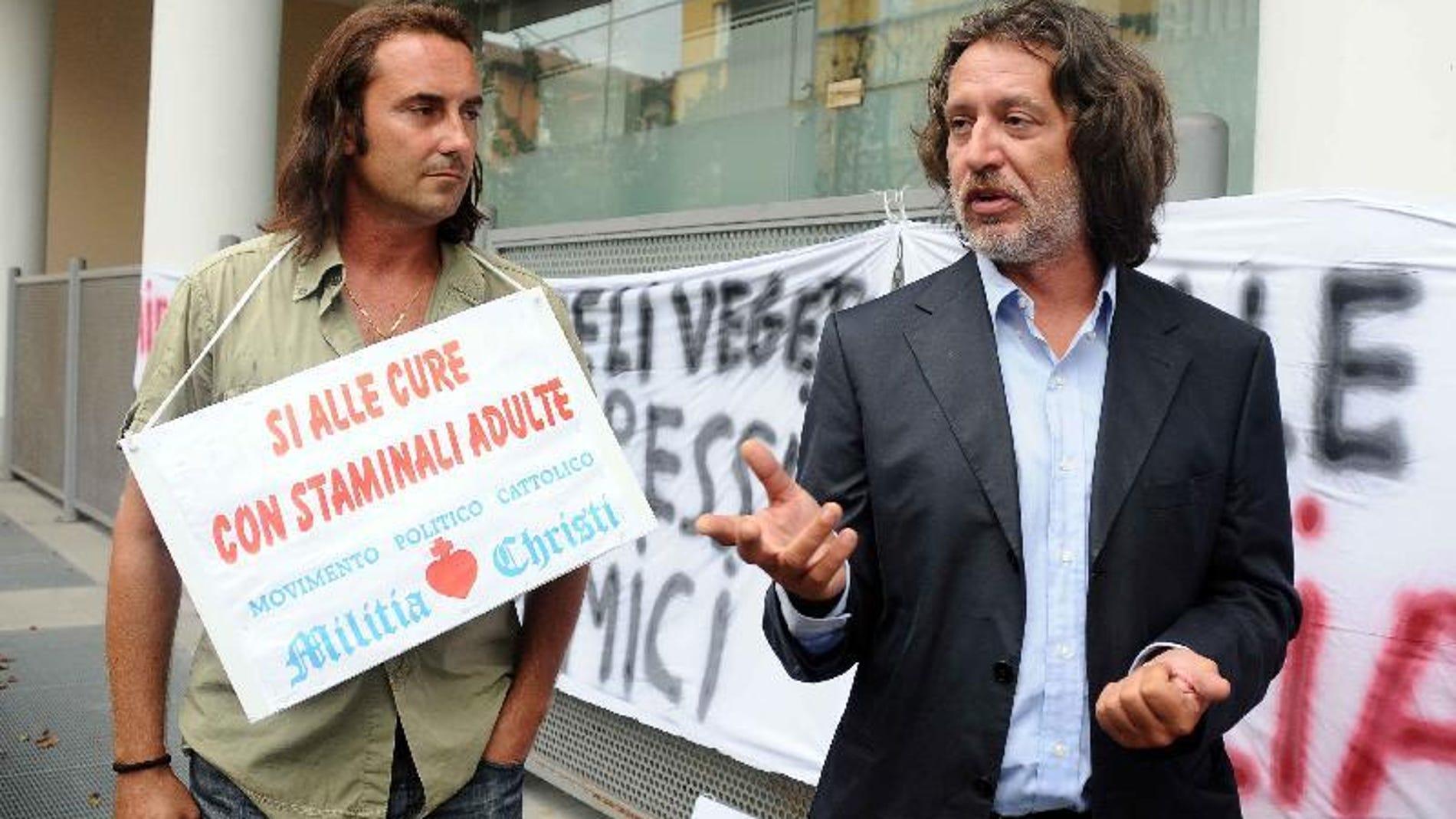 Davide Vannoni haciendo campaña para su proyecto