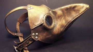 La aterradora máscara que usaban los médicos durante las epidemias de peste en el Medievo
