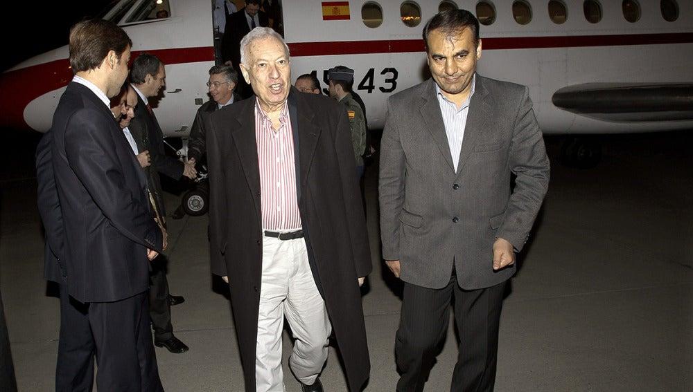 García-Margallo, acompañado por el representante del Gobernador de Isfahan, Massoud Nikaeen