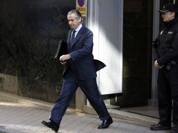 El expresidente de Caja Madrid Miguel Blesa a su salida de la Audiencia Nacional