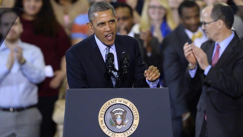 """Obama rechaza el referéndum de Crimea y advierte que EE.UU. permanecerá """"firme""""."""