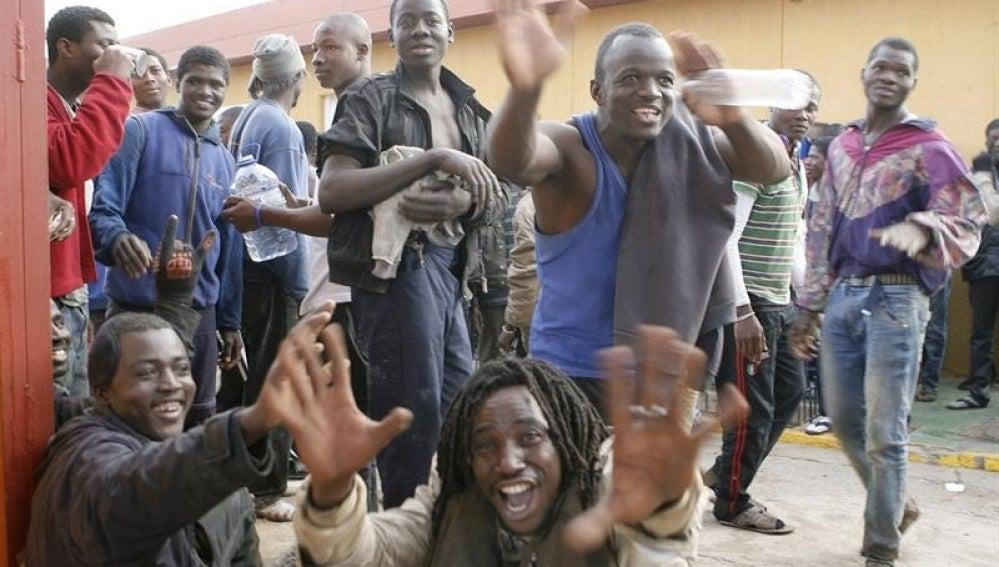 Cientos de inmigrantes han logrado entrar en Melilla