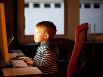 Para Facebook o Microsoft los usuarios somos como niños pequeños