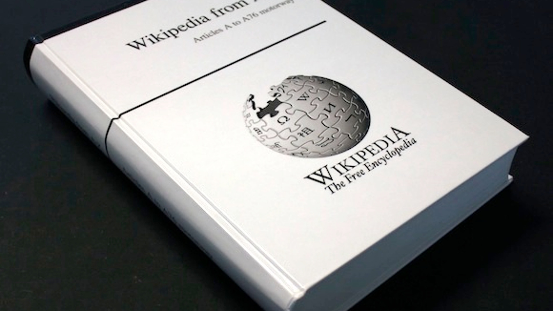Un tomo de la Wikipedia inglesa en papel