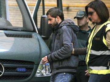 Miguel Carcaño sale del hospital Miguel Servet de Zaragoza