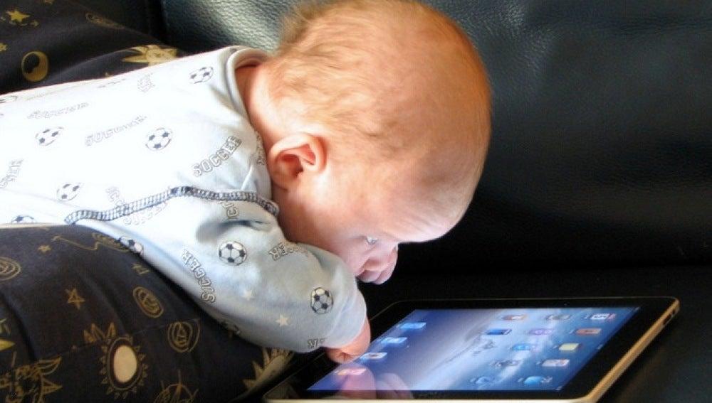 Embelesado con un iPad