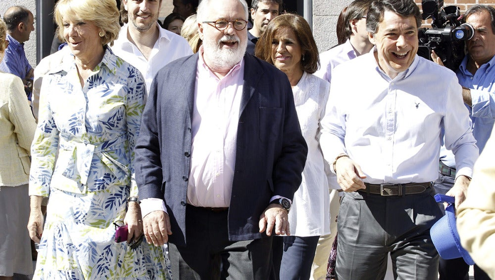 Esperanza Aguirre, Arias Cañete, Ana Botella e Ignacio González a su llegada a un mitin del partido