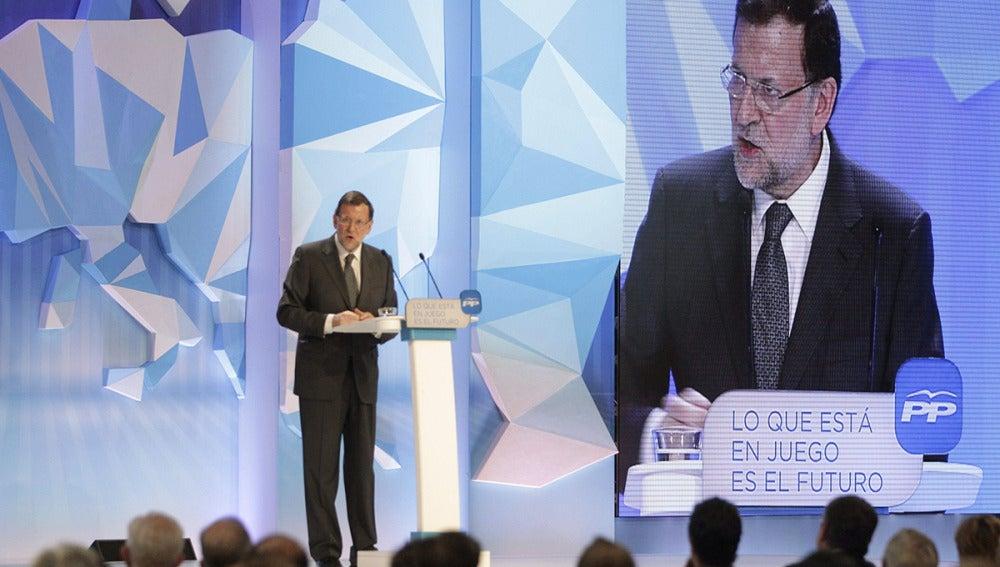 El presidente del Gobierno, Marinao Rajoy, durante un mitin electoral celebrado en Zaragoza