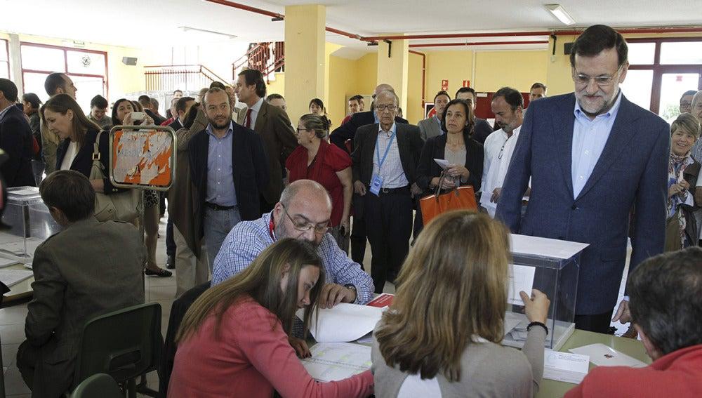 Mariano Rajoy ha ejercido su derecho al voto en el colegio Bernardette de Aravaca