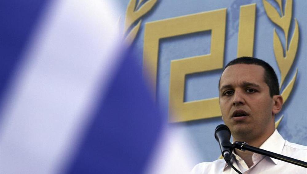 El portavoz del partido neonazi Amanecer Dorado, Ilias Kasidiaris