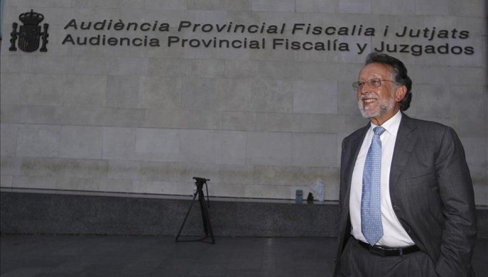 El vicealcalde de Valencia Alfonso Grau a su salida de la Ciudad de la Justicia