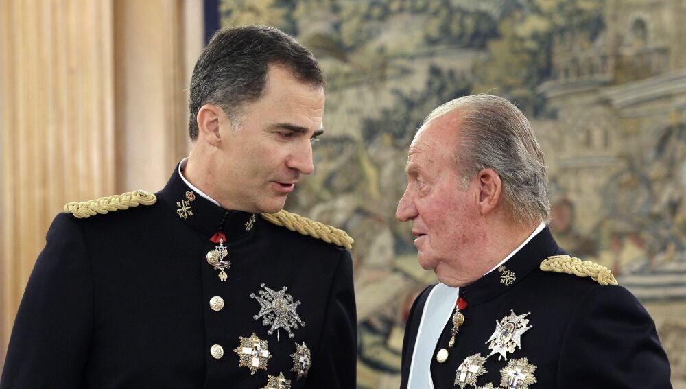 El rey Felipe VI y su padre, Juan Carlos I