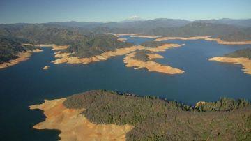 Descenso del nivel de agua en California