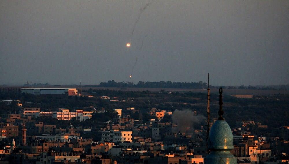 Misiles israelíes caen sobre el este de la Franja de Gaza
