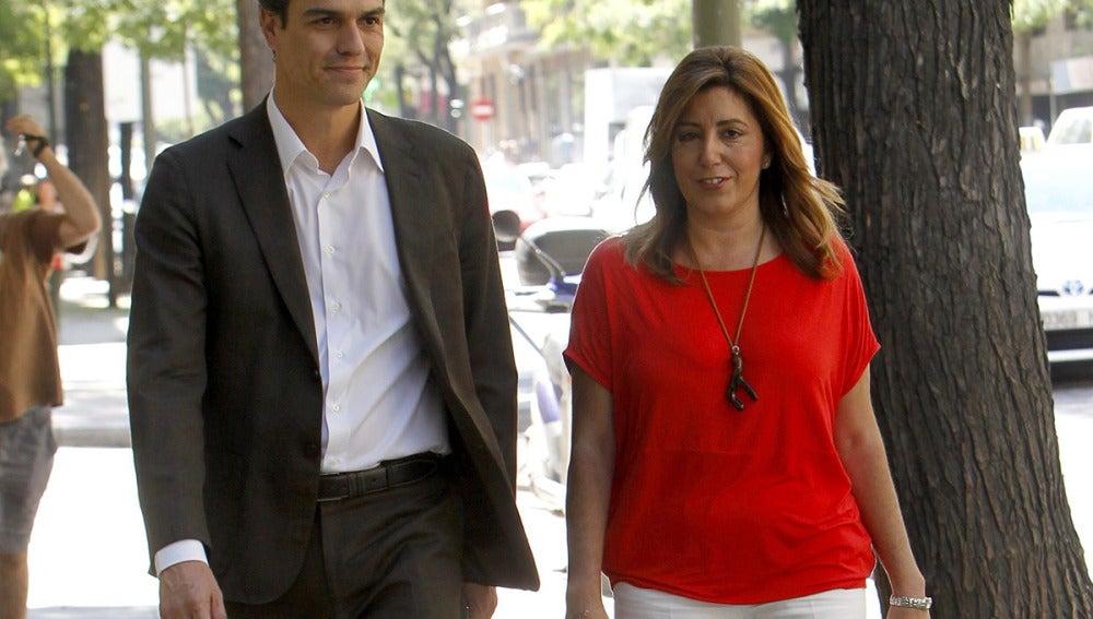 Pedro Sánchez, junto a Susana Díaz
