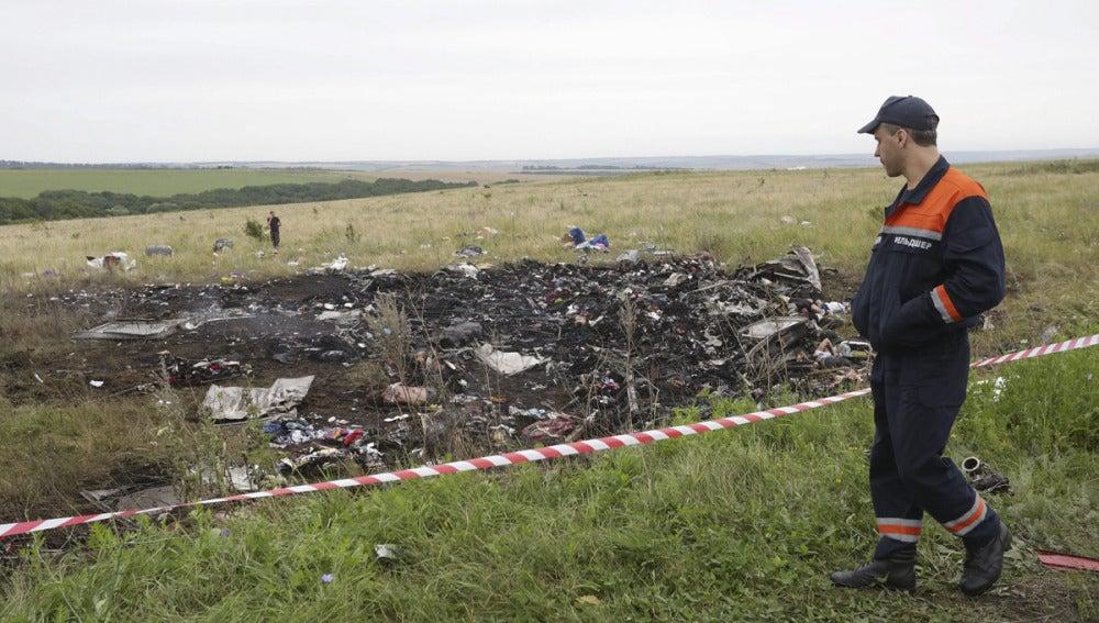 Los restos del accidente del avión MH17