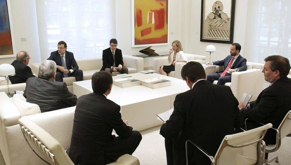 Rajoy, reunido con los empresarios catalanes pro consulta