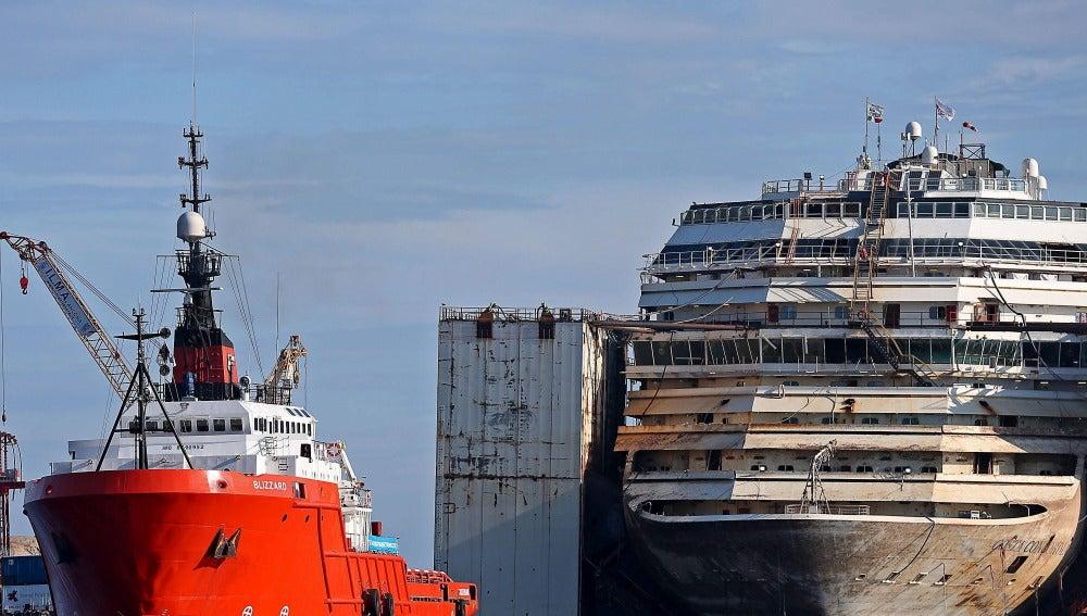 Comienza el traslado definitivo del Costa Concordia a Génova