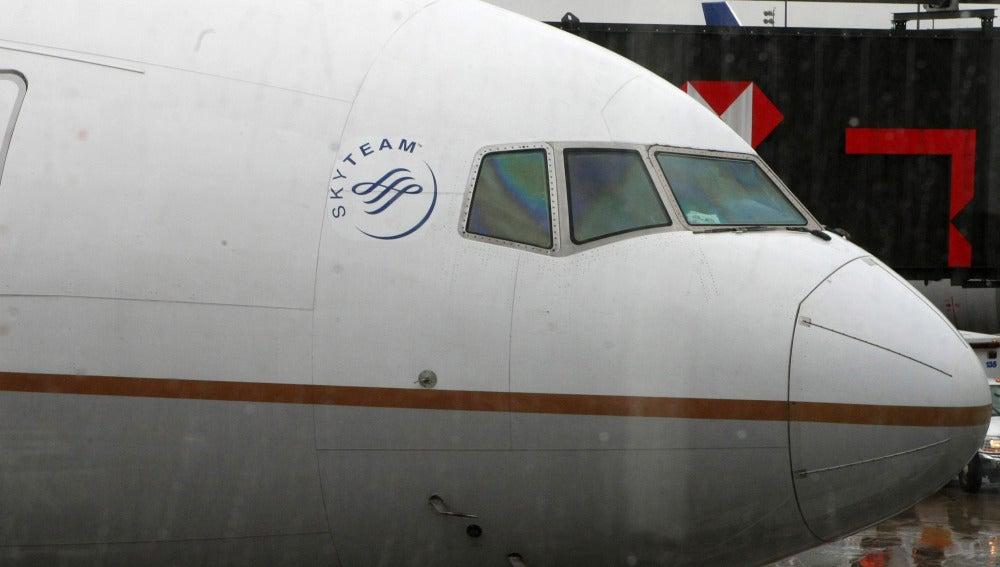 Un avión kuwaití aterriza de emergencia en Bruselas por humo en la cabina del piloto