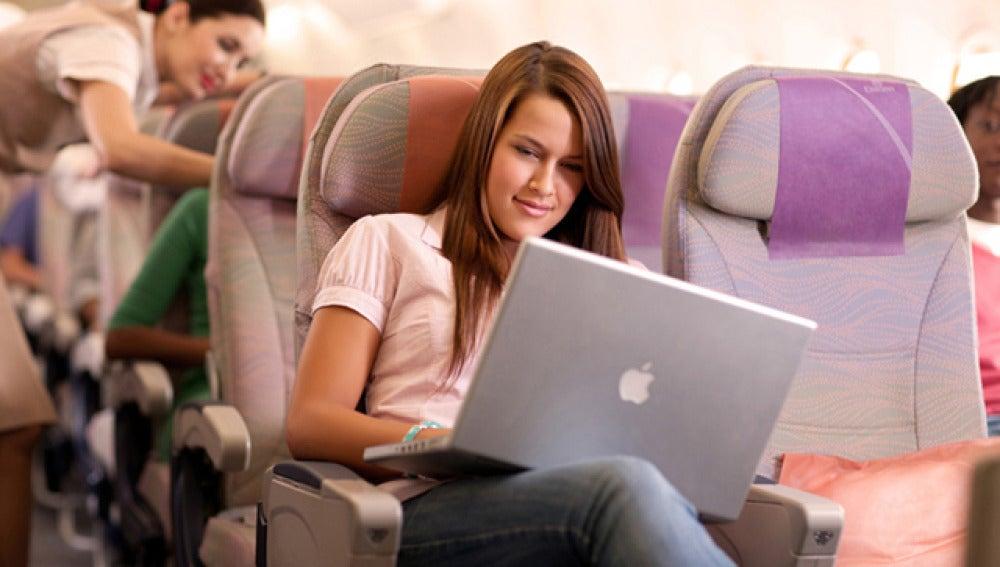 Veinte aerolíneas que te ofrecen Wifi mientras vuelas
