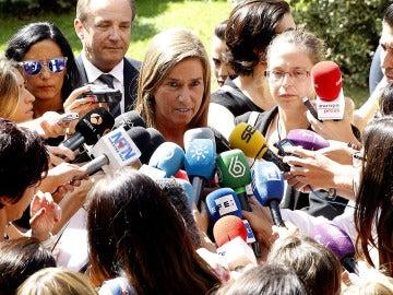 Ana Mato asiste al funeral del padre Miguel Pajares
