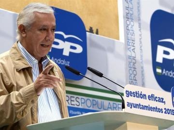 Javier Arenas, durante la inauguración hoy de la II Escuela de Otoño del PP de Sevilla