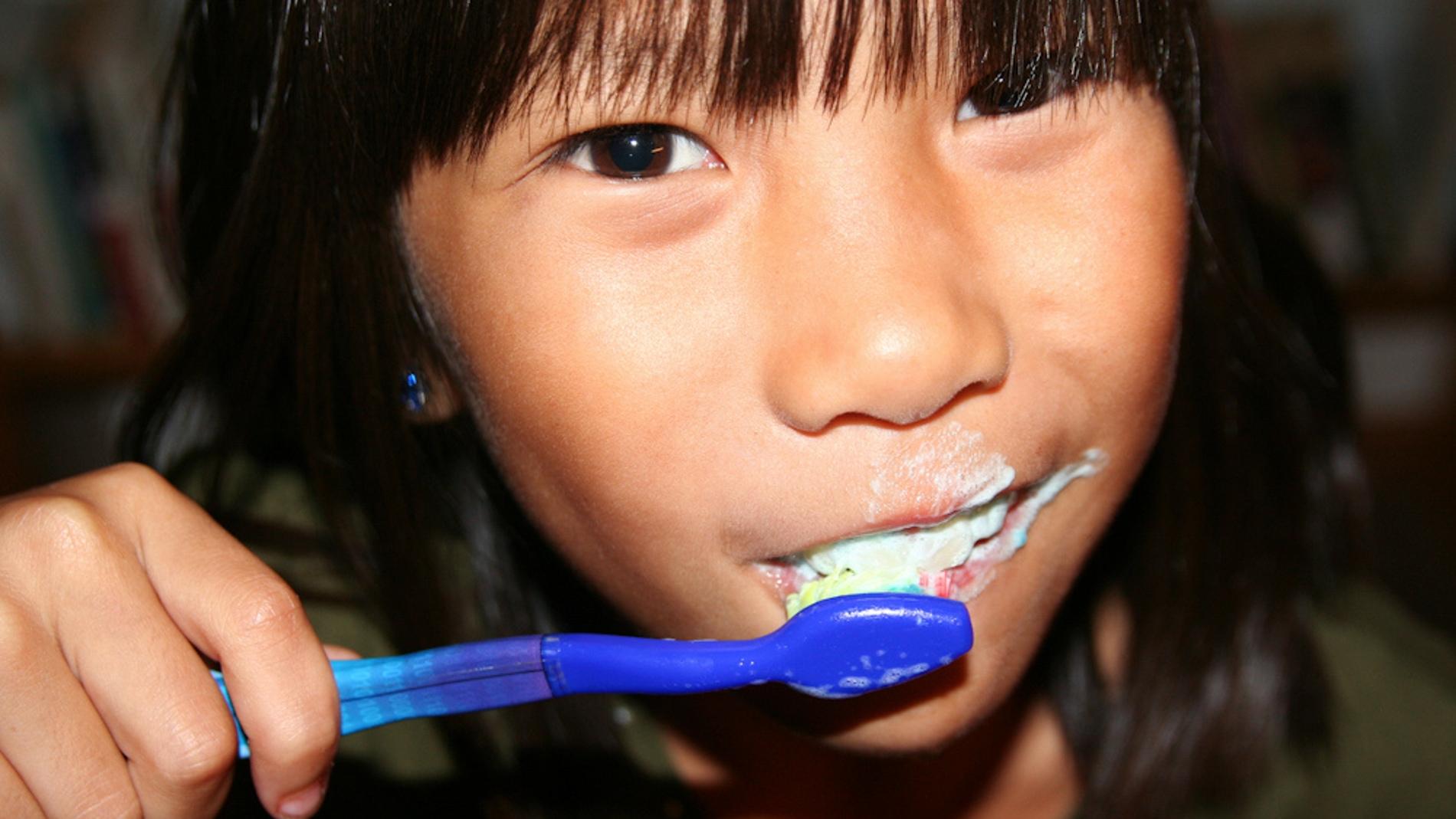 Un compuesto de la pasta de dientes afecta a las papilas gustativas