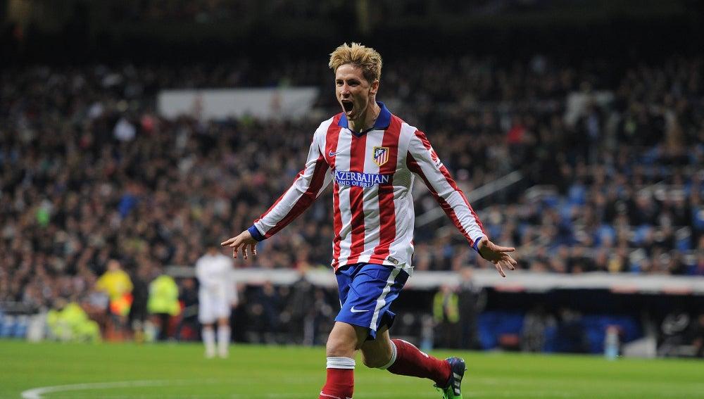 Fernando Torres celebra un gol
