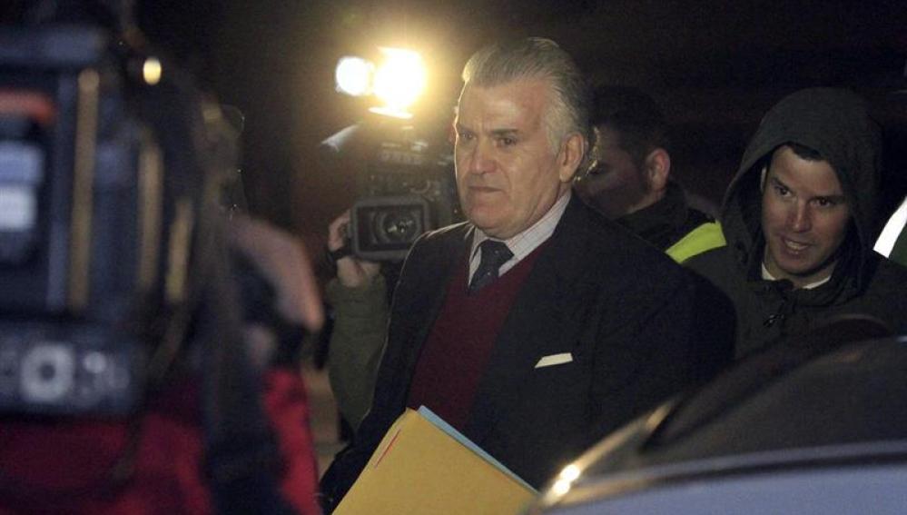 Luis Bárcenas en su salida de prisión