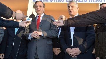 Antonis Samaras durante la jornada electoral en Atenas